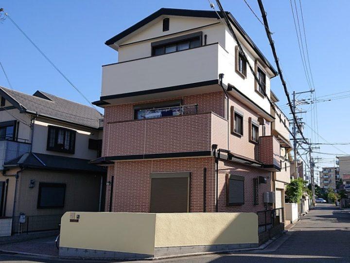 3階建て 外壁の浮き補修、2色塗りで新築のような仕上がりに 堺市N様