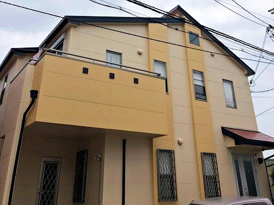 築20年 ツートンカラーに外壁を塗り替え立体感を演出 堺市I様
