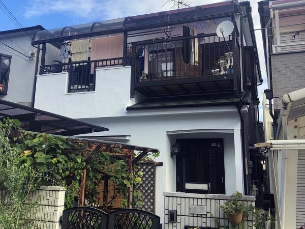 下塗りが重要!人気の塗料で外壁・屋根・付帯部塗装 堺市K様