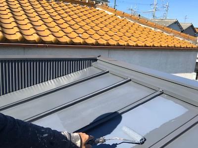 トタン屋根に上塗り