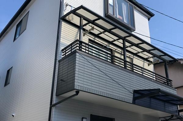 バルコニー部分で色分けしたツートンカラーの屋根・外壁塗り替え 堺市M様