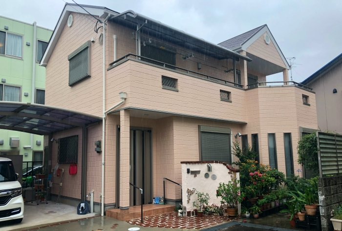 お家を長持ちさせる屋根・外壁塗装のご提案!丁寧な施工で滑らかな質感のベージュ色に 堺市T様邸