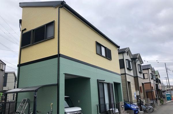 サイディング外壁の色を緑×黄ツートンに塗り替え大変身! 堺市北区