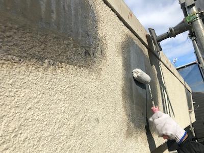 外壁浮き補修 シーラー塗布