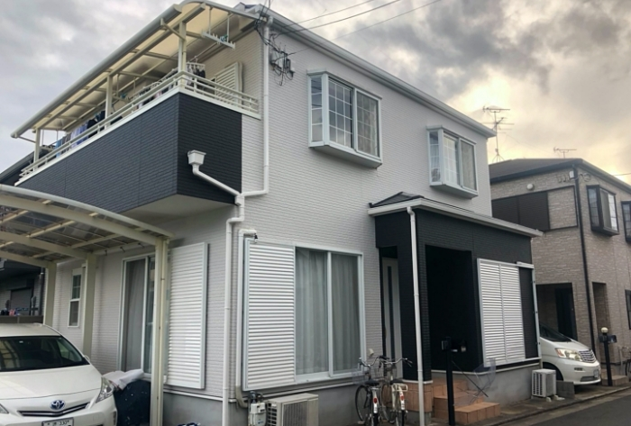 断熱+遮熱のW効果が期待できる省エネ塗料で屋根塗装、クールモダンな色に塗り替え 堺市西区