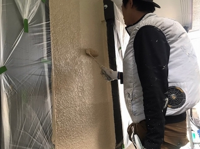 外壁塗装 上塗り2回目