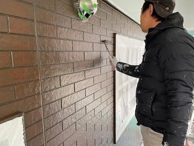 外壁塗装 マーブルトーン施工中